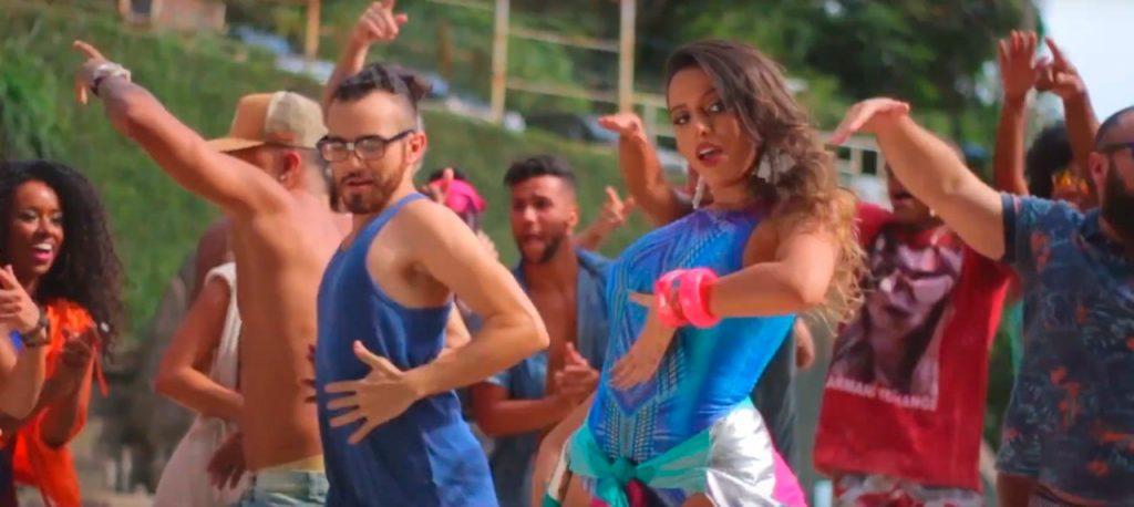 """Luiza Luh aposta no reggaeton e lança """"Beijo Atrevido"""""""