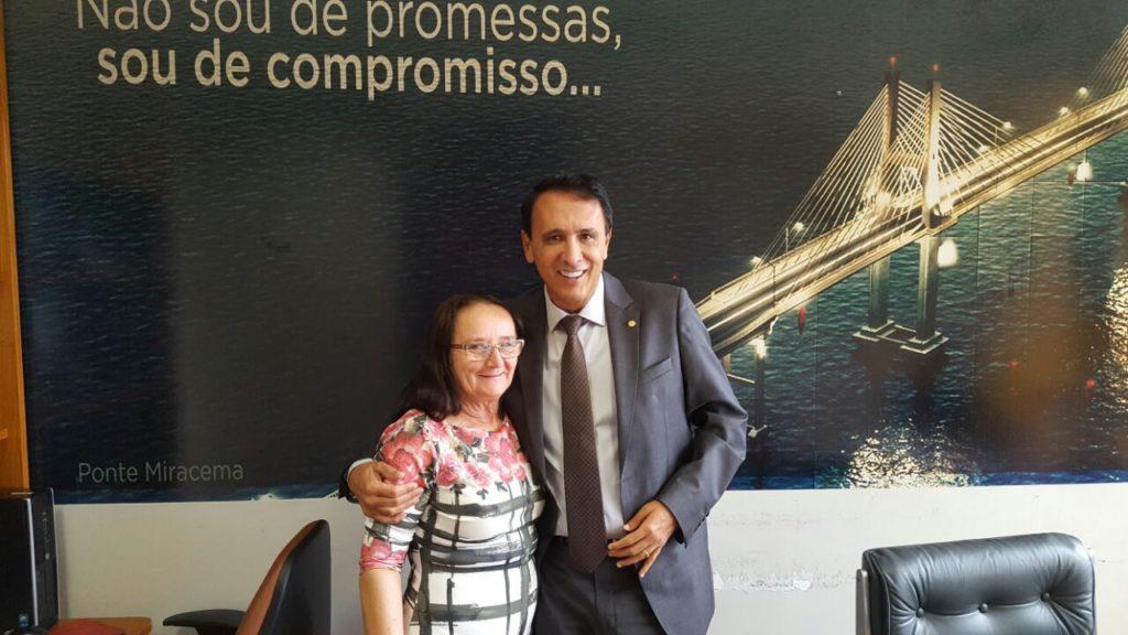 Prefeita de Chapada de Areia vai à Brasilia em busca de recursos