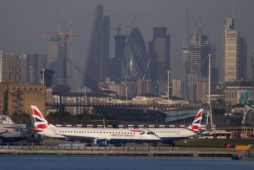 Aeroporto de Londres é fechado após descoberta de bomba da Segunda Guerra