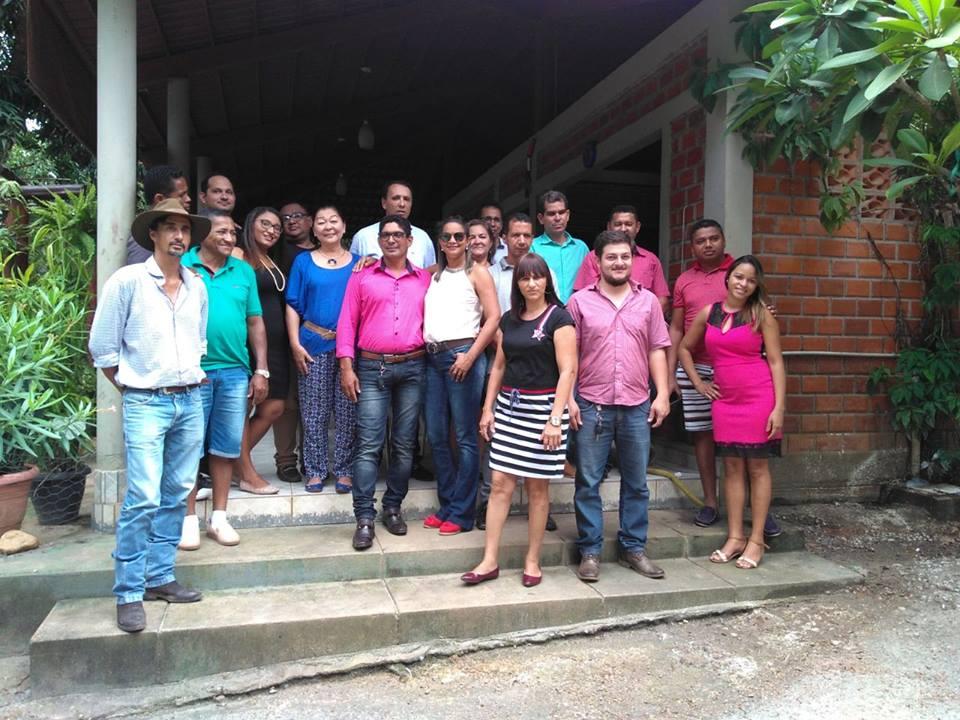 Prefeita e secretários de Brejinho de Nazaré recebem deputado federal Carlos Gaguim