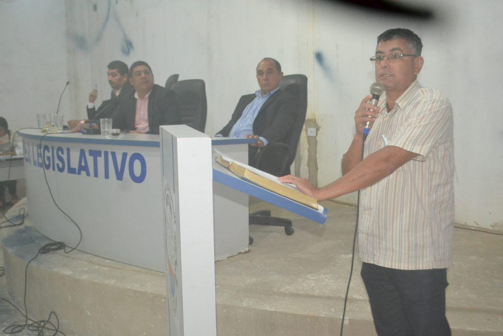 Secretário de administração de Divinópolis ouve reivindicação de vereadores e comunidade