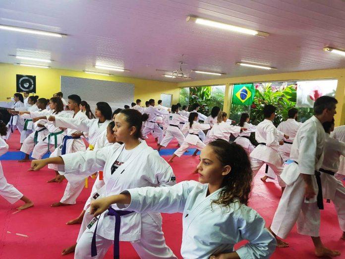 Karateca Jhenifer Arruda de Pedro Afonso participa de evento de alto rendimento na cidade de Goiânia
