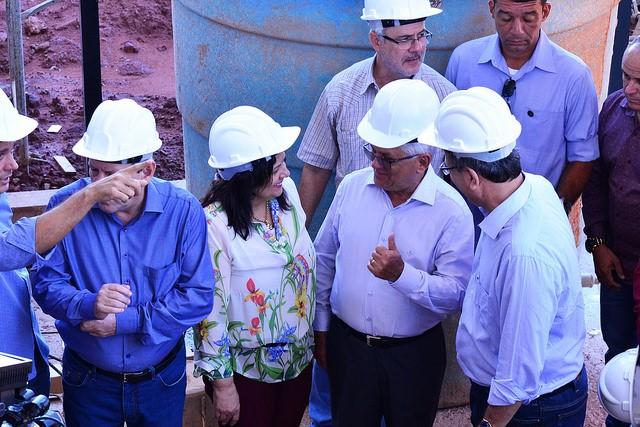 Valderez acompanha governador em vistoria de obras em  Araguaína