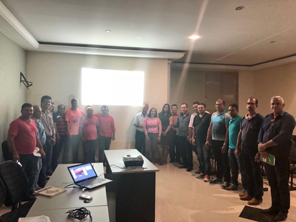Monte Santo discute elaboração de plano de gestão de resíduos sólidos