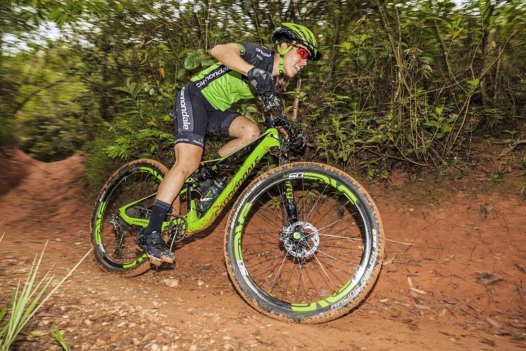 Sprint Triathlon American Cup e Grande Volta Mairipa na agenda das atletas Shimano