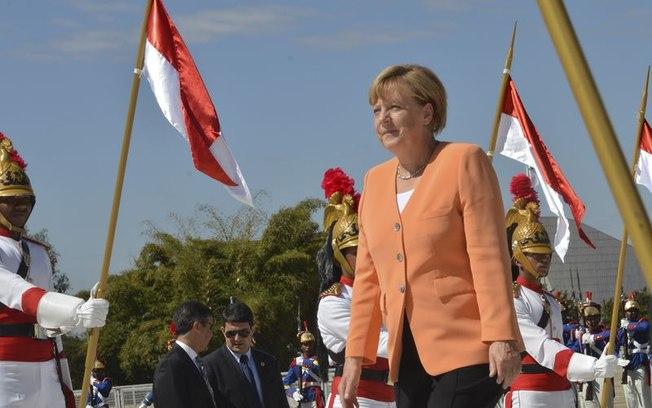 Pela quarta vez, Angela Merkel é reeleita chanceler da Alemanha