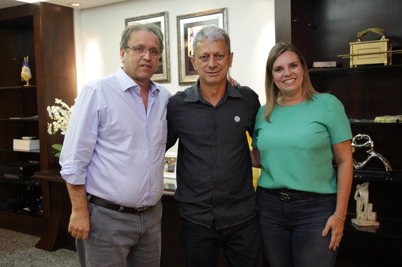 Prefeito de Dois Irmãos participa de reunião com governador Marcelo Miranda