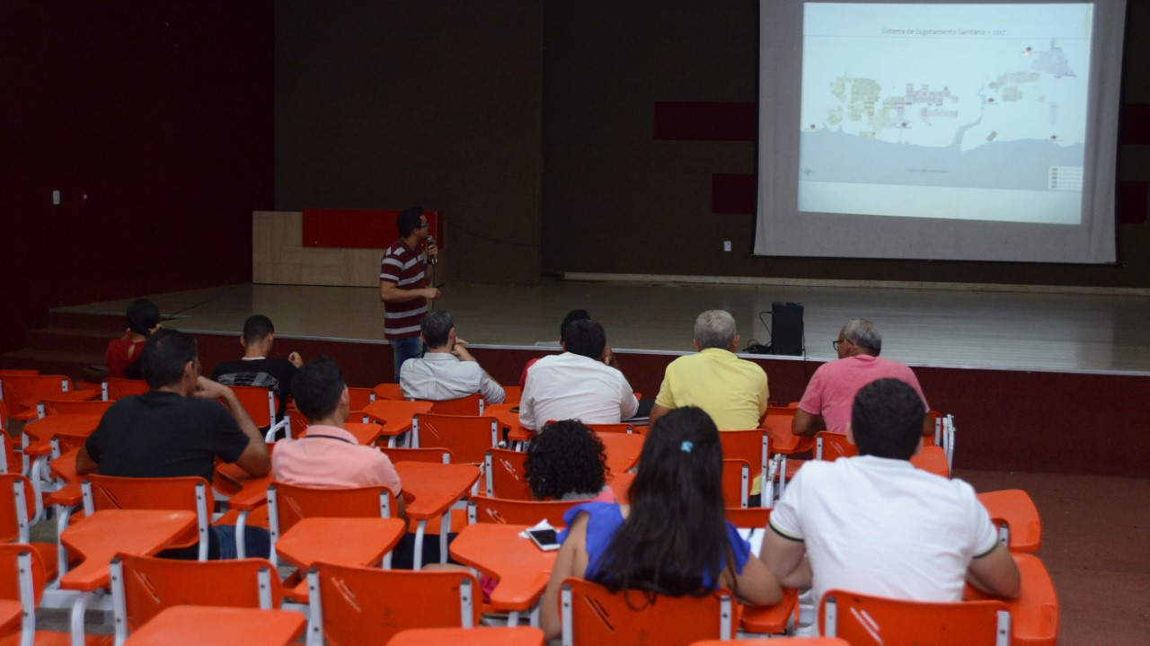 Terceira audiência pública do Plano Municipal de Água e Esgoto esclarece dúvidas e recebe sugestões da comunidade da região Sul da Capital