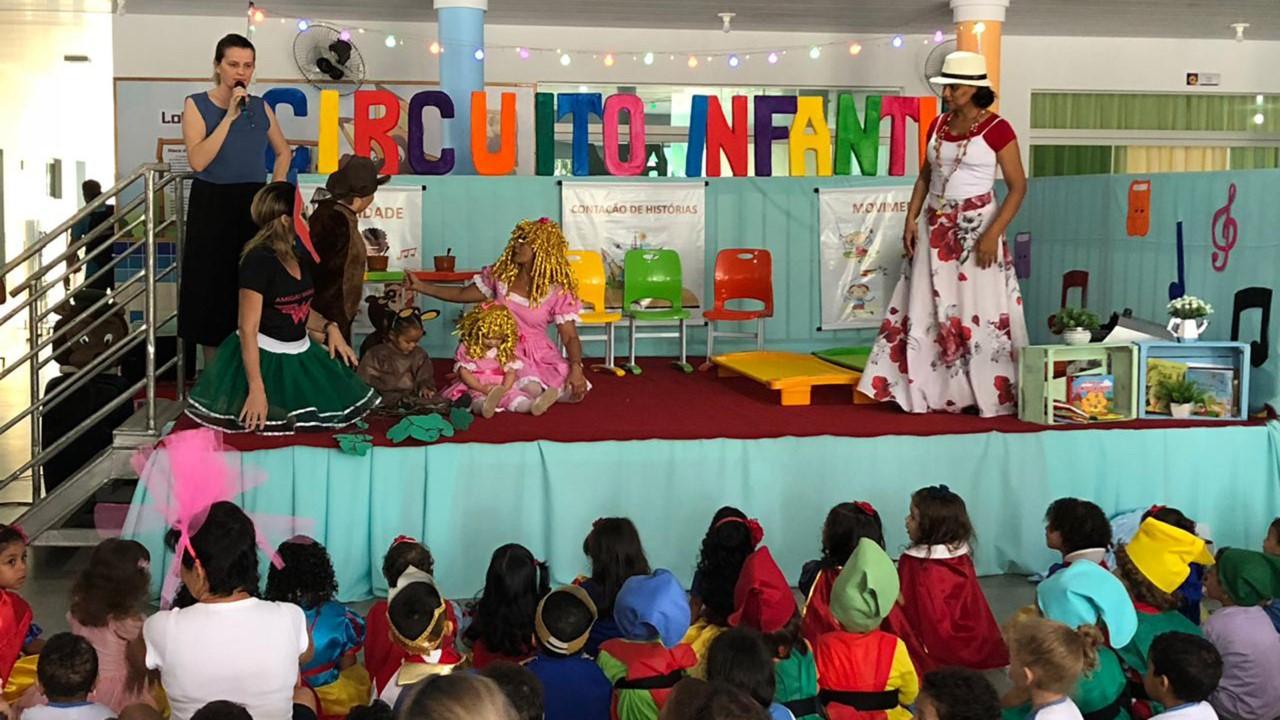 Circuito Cultural Infantil mobiliza artistas e alunos de CMEI em Taquaruçú