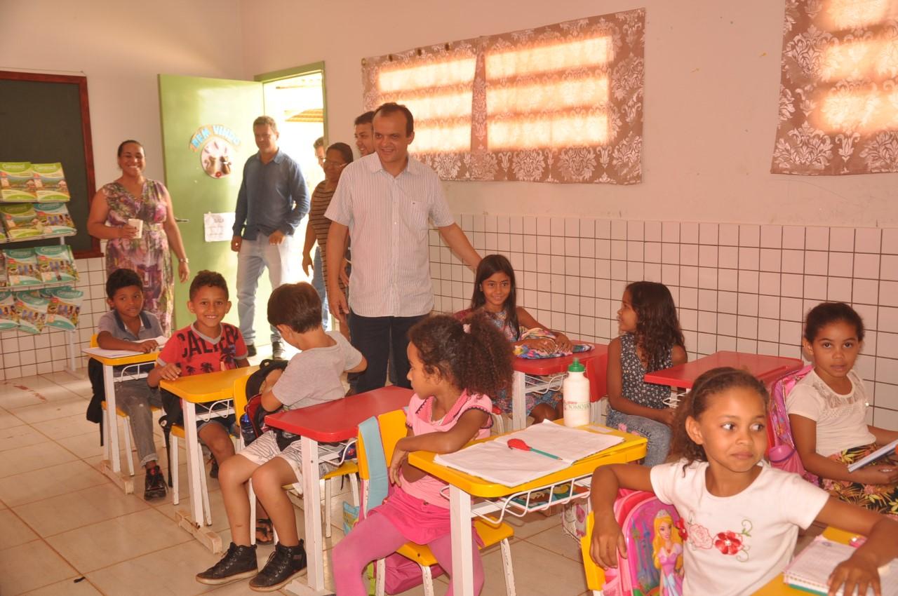 Escola Municipal Jacinto Bispo de Luzimangues recebe doação de biblioteca infantil neste sábado