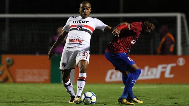 Contra adversário 100% como mandante, Régis quer São Paulo 'letal' diante do América-MG