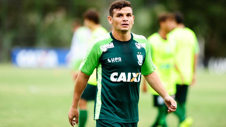 """Ruy avalia disputa pela titularidade no América-MG e projeta """"confronto direto"""" pela Série A"""