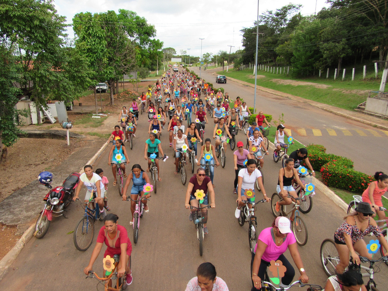 """Prefeitura de Araguacema realiza a 4ª edição da tradicional """"Bicicletada das Mães"""""""