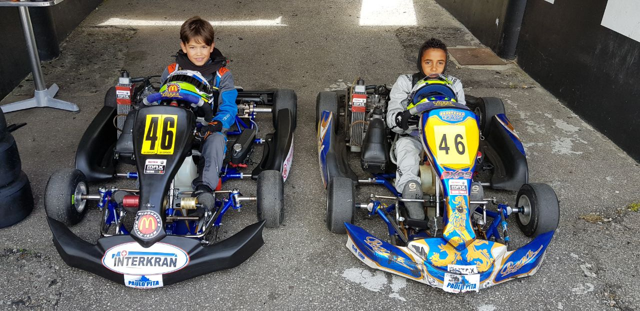 Conheça o menino que ganhou o prêmio Portugal de karting e abraçou a bandeira brasileira