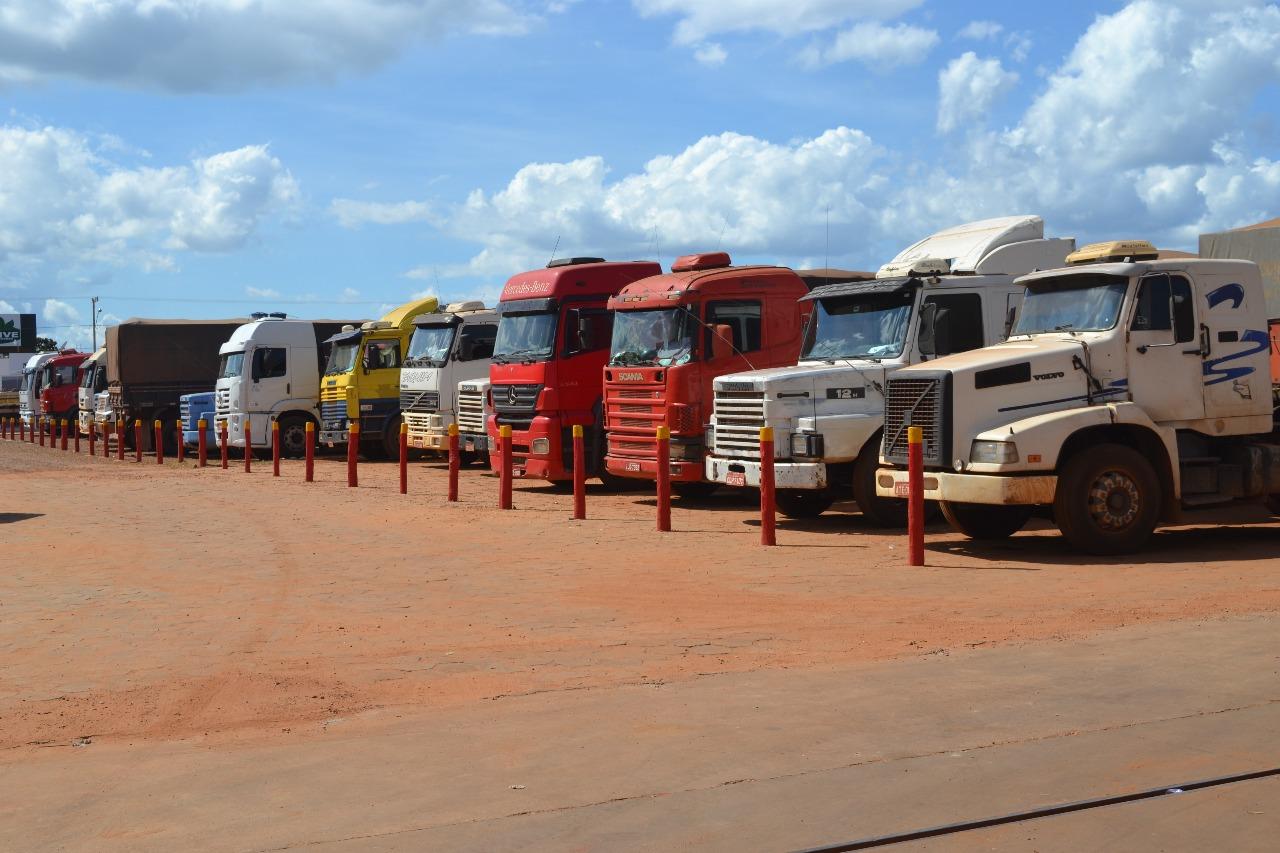 Governo apresenta acordo entre representantes dos caminhoneiros; gasolina não sofrerá alteração