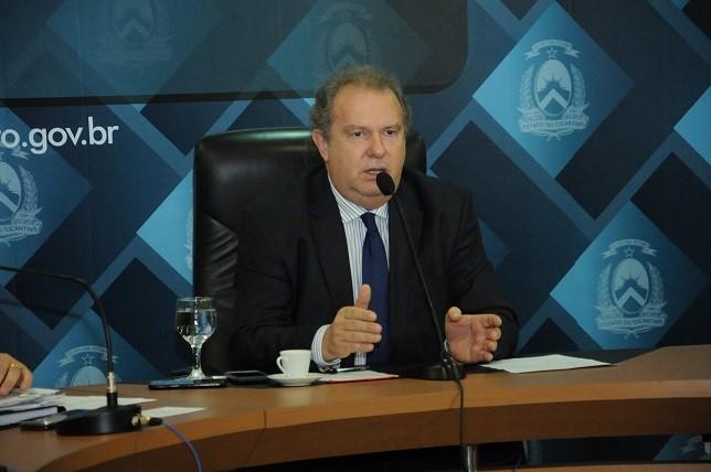 Carlesse começa a modernizar gestão visando eficiência e redução de gastos