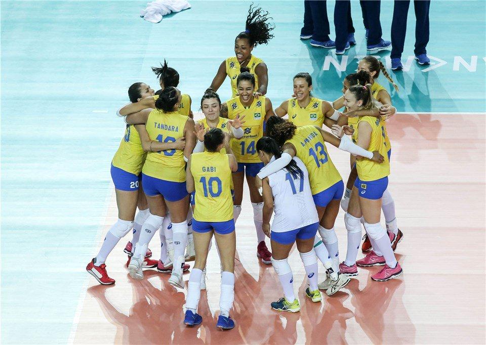 Brasil oscila, mas avança às finais da Liga das Nações