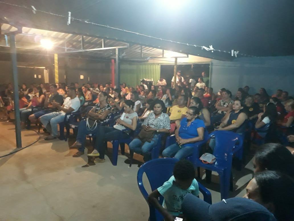 Moradores de Dois Irmãos (TO) participam de reunião em apoio a Mauro Carlesse