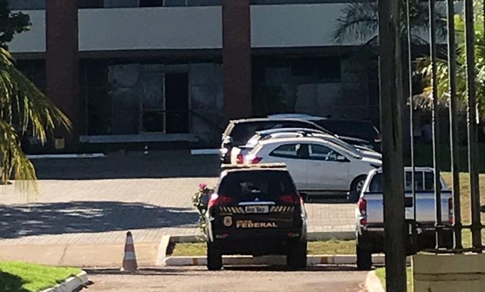Polícia Federal cumpre mandados em secretarias de governo e no Palácio Araguaia