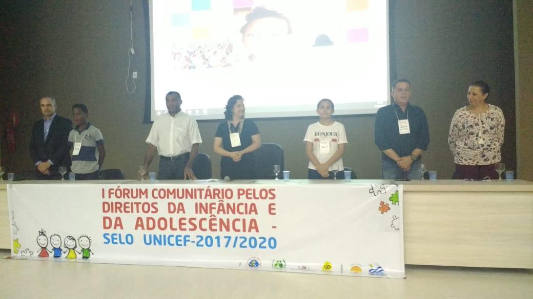 Comunidade discute políticas de garantia de direitos das crianças e adolescentes