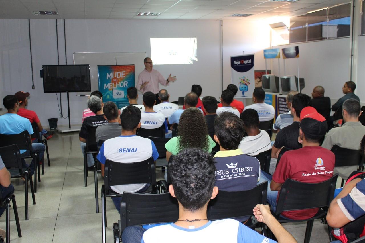 Alunos do SENAI participam de treinamento sobre a implantação do Sinal Digital em Palmas