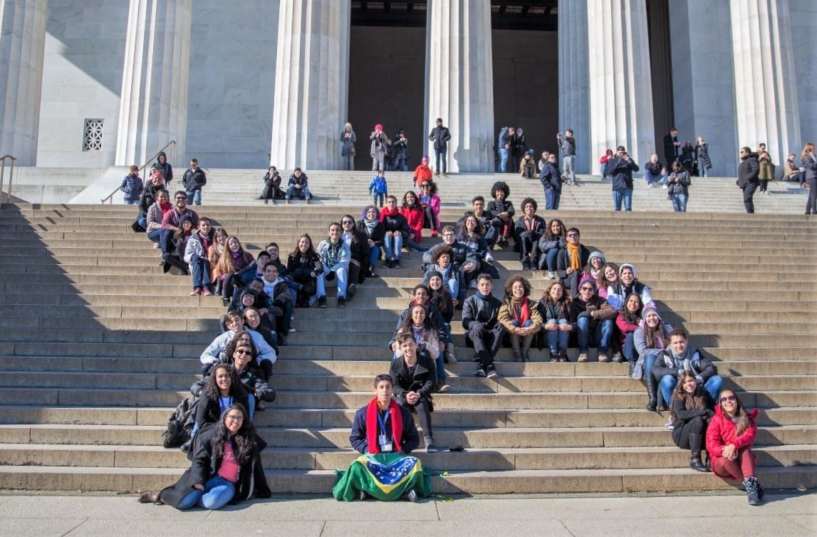 Estudantes de destaque da rede pública podem conhecer os EUA com o Programa Jovens Embaixadores