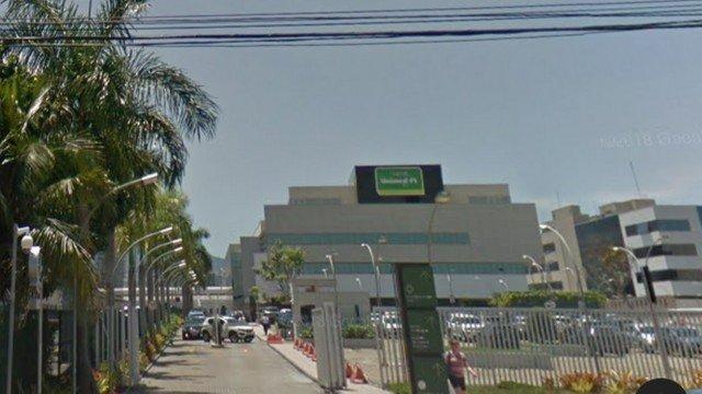 Bandidos roubam R$ 1 milhão em remédios para tratar câncer em clínica na Barra