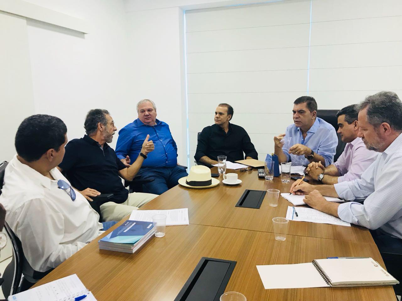 Amastha se reúne com Oswaldo Stival e senador Ataídes para discutir plano de governo