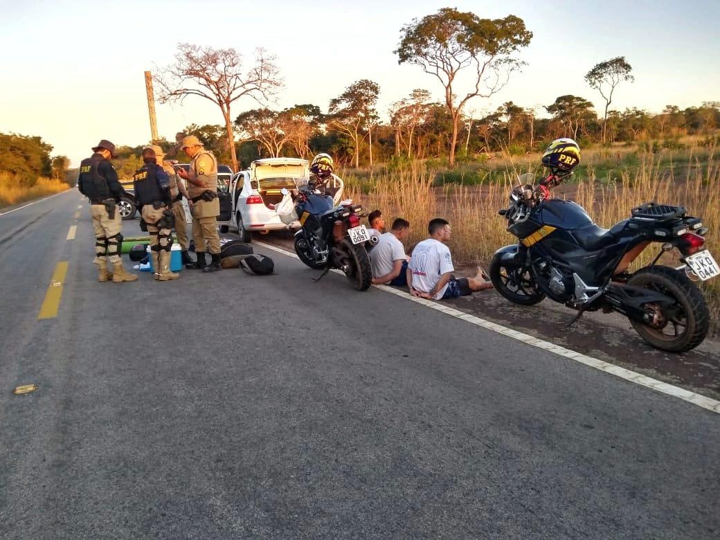 PRF e PM prendem grupo de jovens por tráfico de drogas em Peixe (TO)
