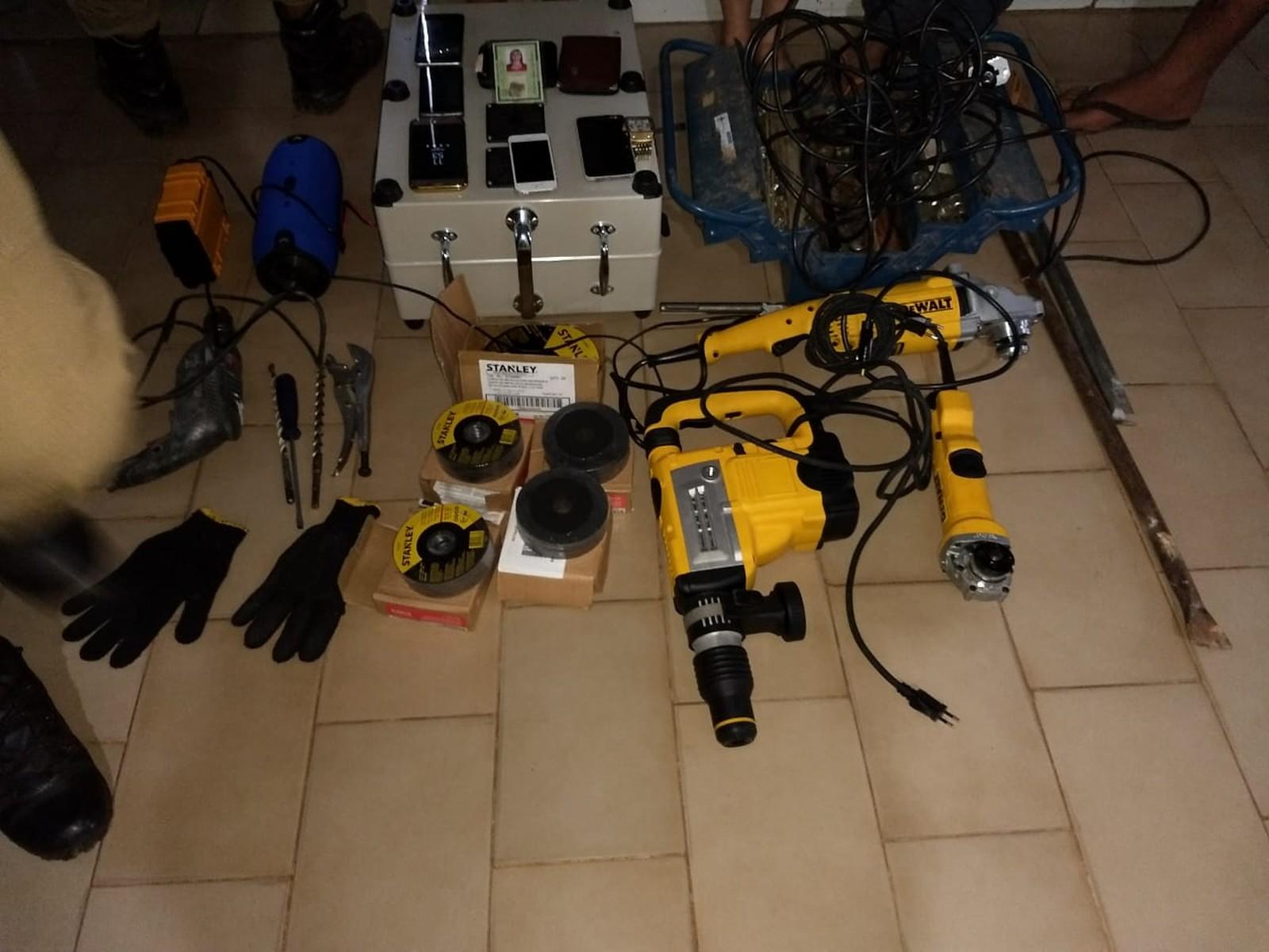 Quatro são presos suspeitos de tentar invadir cofre de banco em Augustinópolis