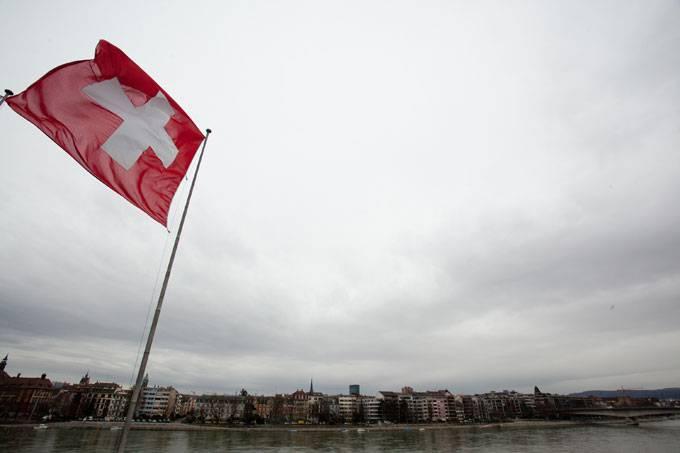 Com 12 habitantes, menor cidade da Suíça será transformada em hotel