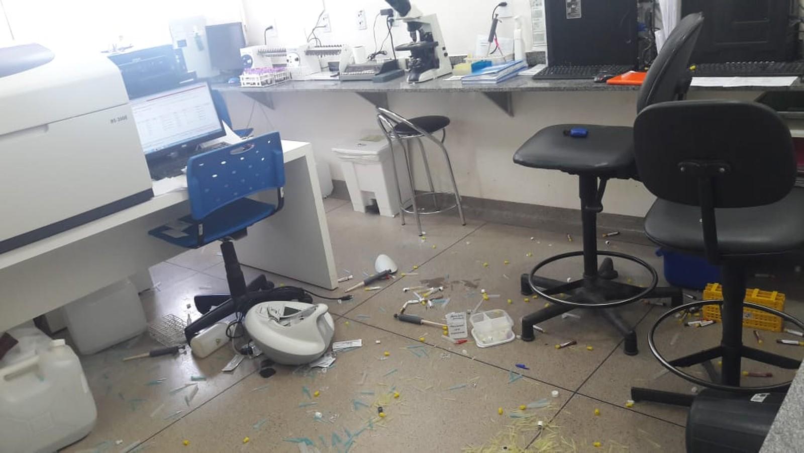 Jovem é presa após destruir laboratório de unidade de saúde em Palmas