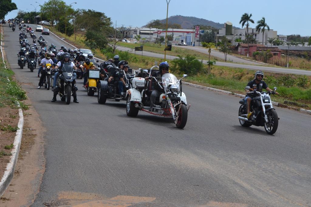 Mais de 140 motociclistas participam do 2º Aniversário do Moto Clube Mavericks de Paraíso TO