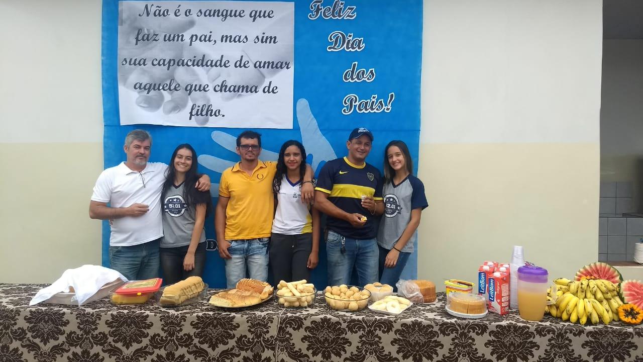 Escola Deusa Moraes realiza evento em comemoração ao Dia dos Pais e ao Dia do Estudante em Paraíso (TO)