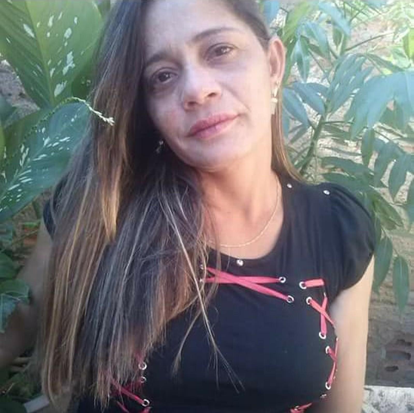 Diarista é encontrada morta dentro de casa e polícia suspeita de latrocínio