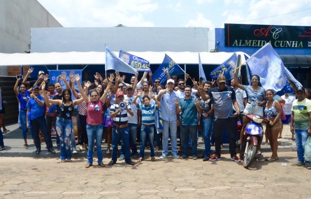 Ataídes destaca potencial econômico durante caminhada em Colinas