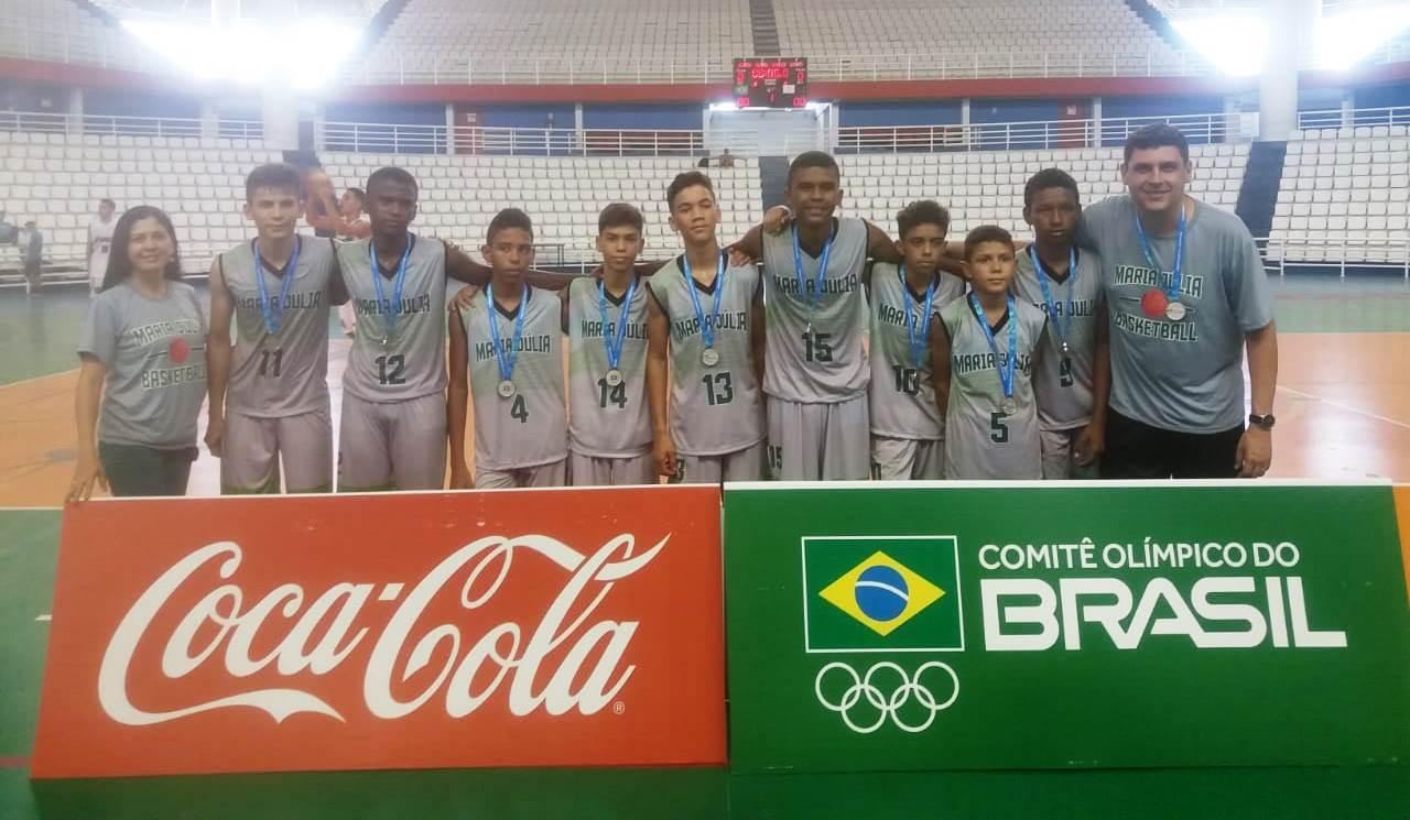 Time de basquetebol masculino da Escola Maria Júlia garante vaga para etapa nacional dos Jogos Escolares da Juventude
