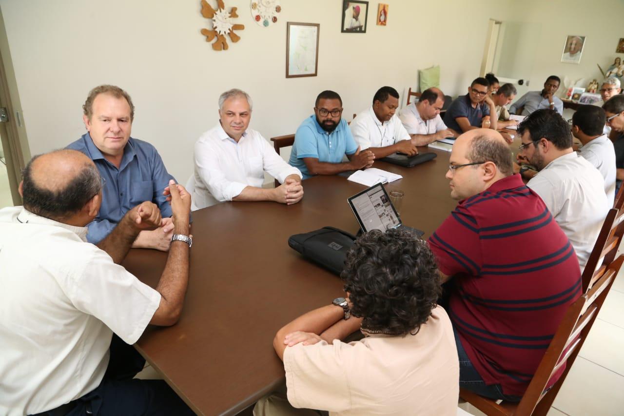 Em encontro com padres, Carlesse diz que trabalha para melhorar as condições de vida do povo