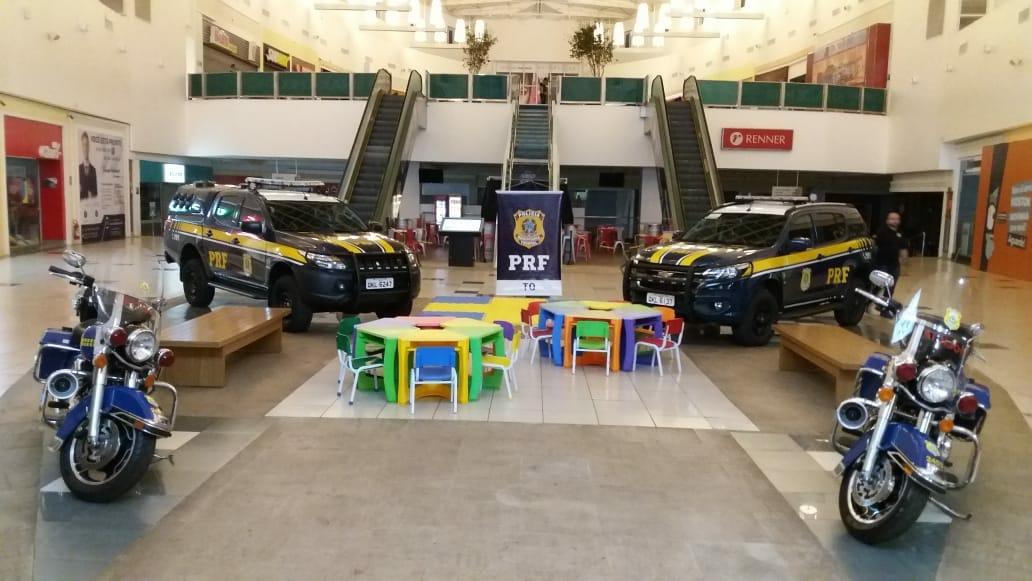 PRF promove ações educativas da Semana Nacional do Trânsito em shopping de Palmas (TO)