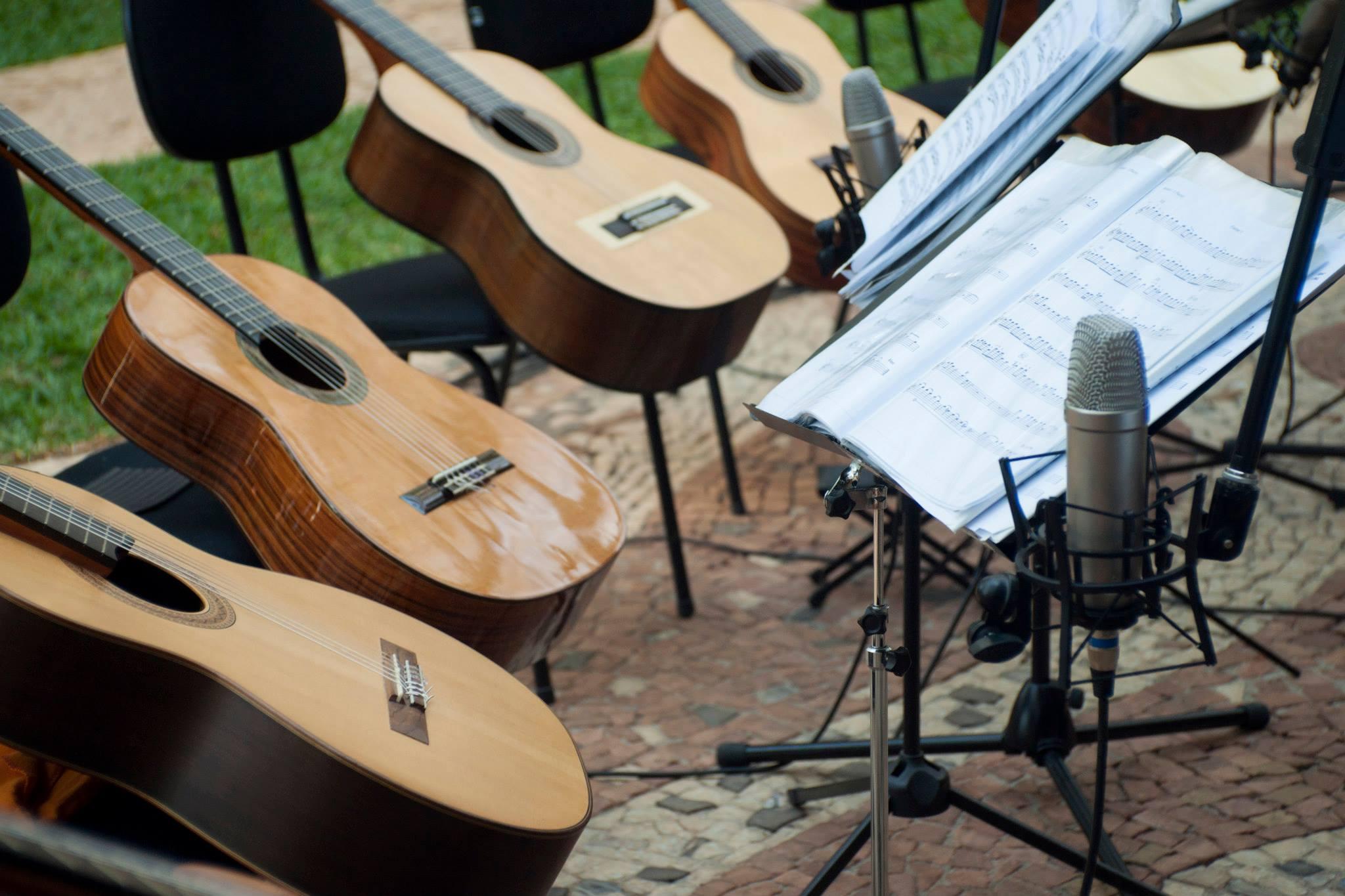 Camerata de violões da EMESP Tom Jobim se apresenta na Casa-Museu Ema Klabin
