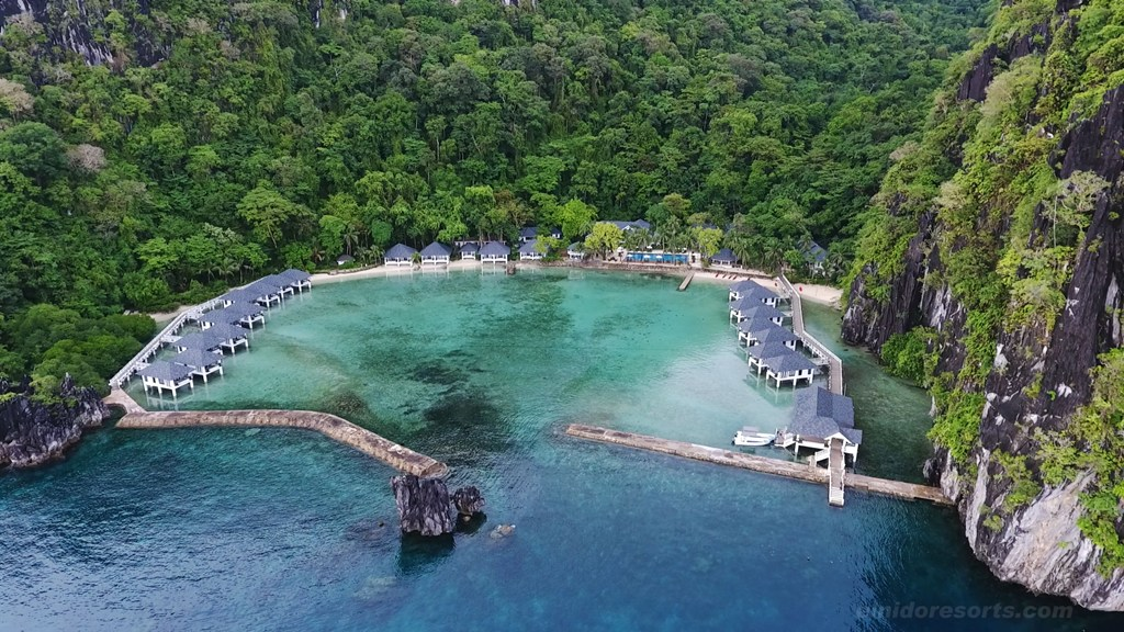 Booking.com lista 5 ilhas deslumbrantes para uma experiência de viagem perfeita