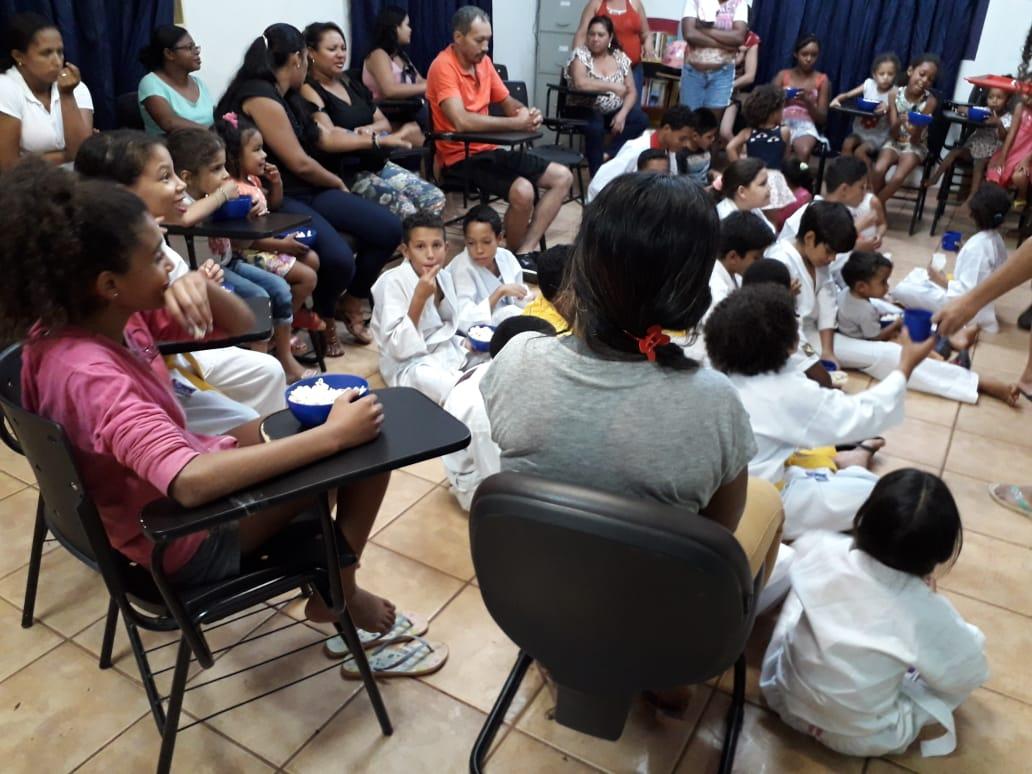 Famílias assistidas pelo Cras Santa Bárbara participam de oficina de orientação sobre relacionamento familiar
