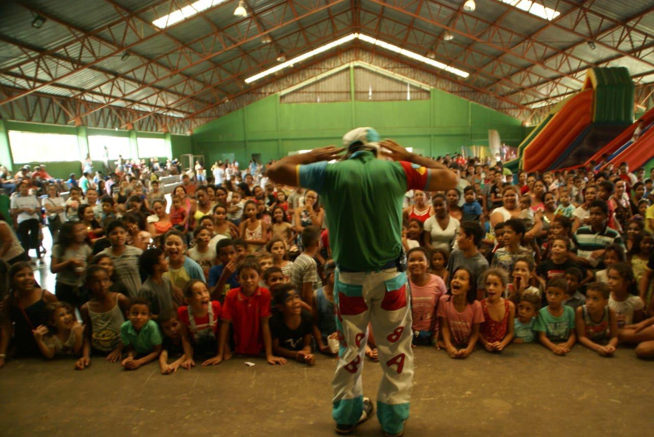 Lagoa da Confusão comemora dia das crianças com atividades e distribuição de brinquedos