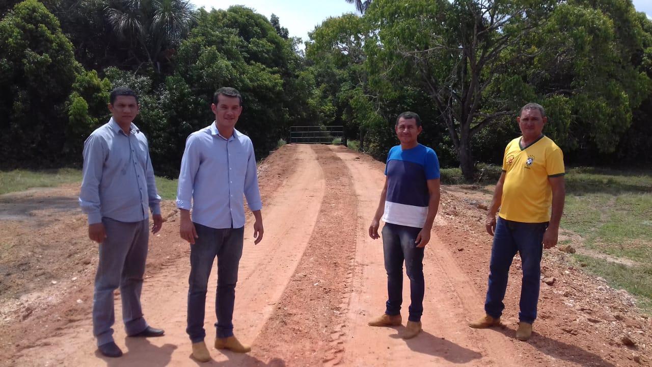 Prefeitura de Marianópolis conclui construção de galeria e aterro em estrada da Vila do Prata