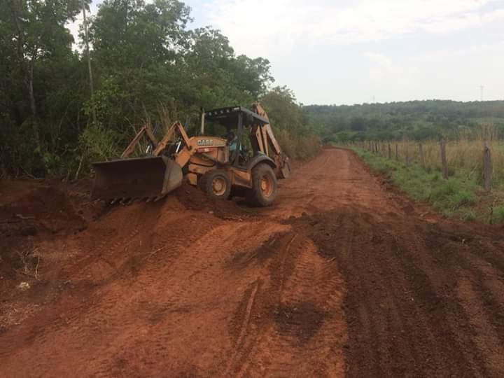 Prefeitura de Monte Santo (TO) recupera estradas da zona rural