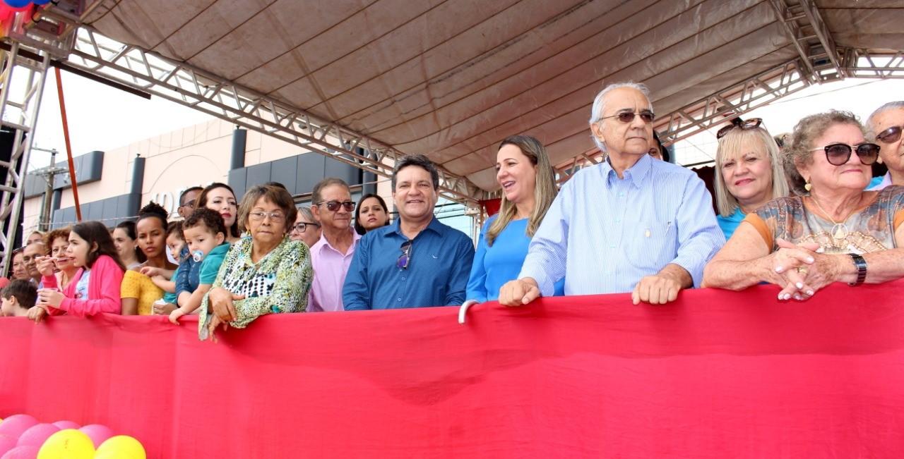 Deputado Osires Damaso participa do Desfile Cívico em Paraíso TO