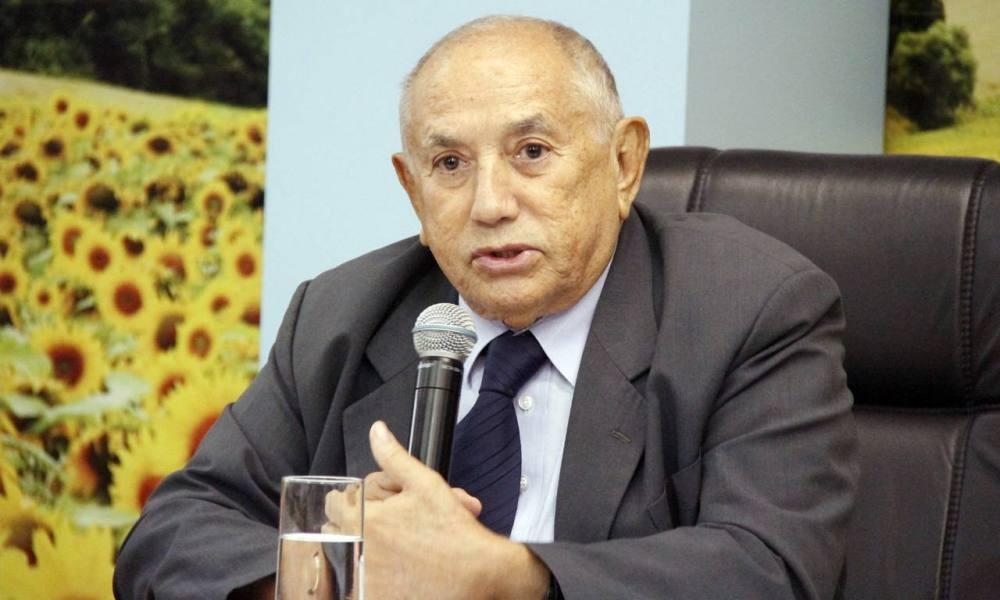Ex-governador Siqueira Campos deixa UTI e deve voltar ao estado nos próximos dias