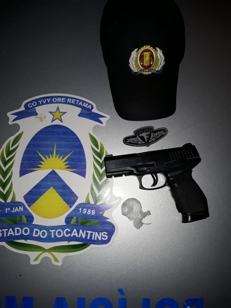 Polícia Militar apreende 3 armas, localiza 25 veículos e combate tráfico drogas em operações no Estado