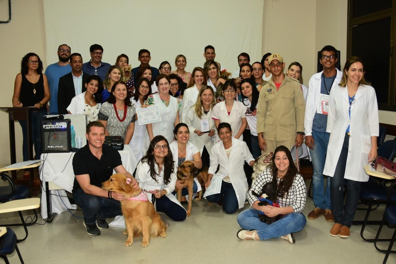 Projeto Cinoterapia completa um ano de atendimento na Capital