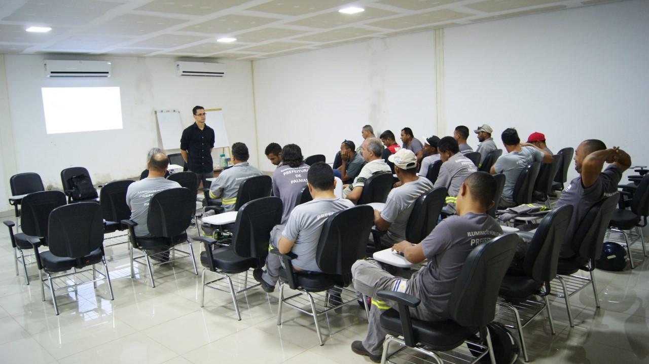 IVM inicia curso de NR-10 para eletricistas da Prefeitura de Palmas